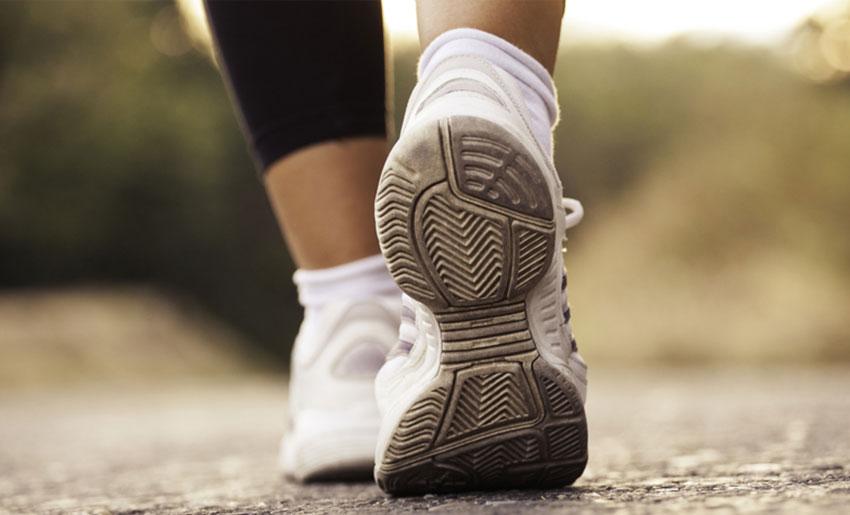 Для профілактики застою жовчі рекомендуються піші прогулянки